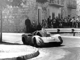 Прикрепленное изображение: Porsche-at-Targa-Florio-1968-Porsche-907-8-1280x960.jpg