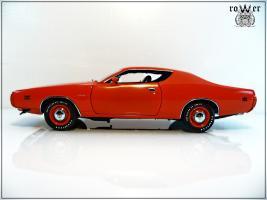 Прикрепленное изображение: DODGE Charger EV2 Hemi Orange 1971 018.jpg