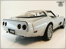 Прикрепленное изображение: CHEVROLET Corvette Collector Edition 1982 006.jpg