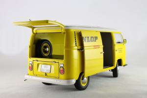 Прикрепленное изображение: Volkswagen T2a Schuco 450017100_12.jpg