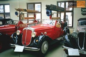 Прикрепленное изображение: 1931 Horch 500 Feuerwehrmannschaftswagen.jpg