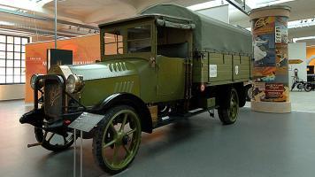 Прикрепленное изображение: Horch 25-42 PS Armee-Lastwagen, 1916.jpg