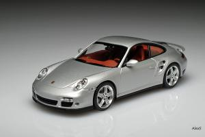 Прикрепленное изображение: Porsche 911 997 Turbo 2005 Minichamps WAP 020 132 16.jpg