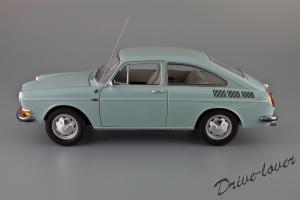 Прикрепленное изображение: Volkswagen 1600 TL Fastback Minichamps 100051020_02.jpg