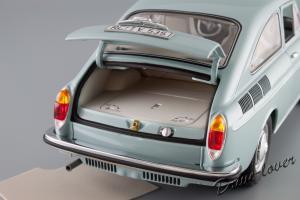 Прикрепленное изображение: Volkswagen 1600 TL Fastback Minichamps 100051020_09.jpg