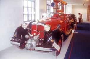 Прикрепленное изображение: Horch 853 Feuerwehr.jpg