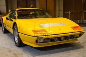 Прикрепленное изображение: 18171385-toronto-february-15-exhibition-of-the-ferrari-512-bbi-boxer-during-the-toronto-s-international-auto-.jpg