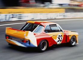 Прикрепленное изображение: 01-bmw-art-car-1975-30-csl-calder-11_580x420.jpg