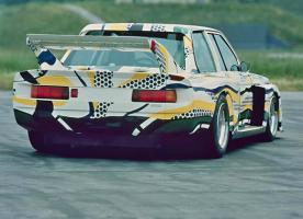 Прикрепленное изображение: 03-bmw-art-car-1977-320i-group-5-lichtenstein-07_580x420.jpg
