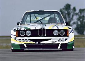 Прикрепленное изображение: 03-bmw-art-car-1977-320i-group-5-lichtenstein-06_580x420.jpg