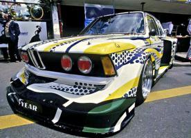 Прикрепленное изображение: 03-bmw-art-car-1977-320i-group-5-lichtenstein-08_580x420.jpg