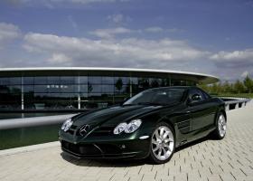 Прикрепленное изображение: Mercedes-Benz_SLR_McLaren_2005_20.jpg
