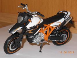 Прикрепленное изображение: KTM 990 1.jpg