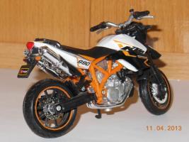 Прикрепленное изображение: KTM 990.jpg