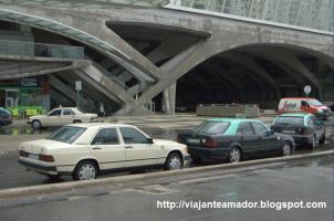 Прикрепленное изображение: Táxis em Lisboa.jpg