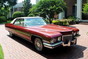 Прикрепленное изображение: 1972 Cadillac de Ville 1.jpg