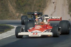 Прикрепленное изображение: McLaren_M23__1976_Canada.jpg