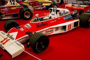 Прикрепленное изображение: McLaren_M23_2012.jpg
