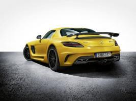 Прикрепленное изображение: Mercedes-SLS-AMG-Black-Series-3-261942-616x462.jpg