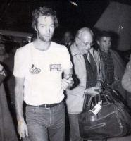 Прикрепленное изображение: Mark Thatcher at Tamanrasset airport as he arrives and joins his father who was waiting for two days. Mar.jpg