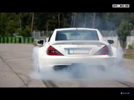 Прикрепленное изображение: MKB-Mercedes-Benz-SL-65-Black-Series-P-1000-2011-38430.jpg