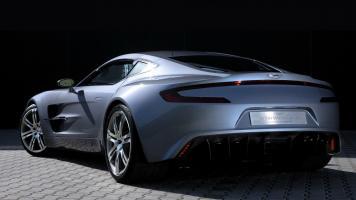 Прикрепленное изображение: Aston-Martin-ONE-77-Back-View-1350x2400.jpg
