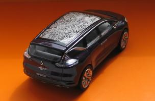 Прикрепленное изображение: Renault Initiale Paris-02.JPG