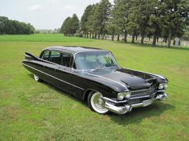 Прикрепленное изображение: Cadillac Series 75 Limousine.jpg