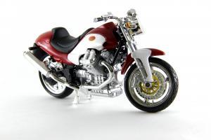 Прикрепленное изображение: Moto Guzzi V10 Centauro (2).JPG