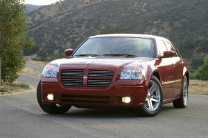Прикрепленное изображение: Dodge Magnum RT - 2005.03.jpg