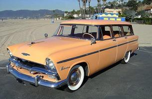 Прикрепленное изображение: Plymouth Belvedere Suburban - 1955.02.jpg
