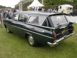 Прикрепленное изображение: Vauxhall PA Cresta Friary Etate.1962.02.jpg
