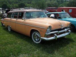 Прикрепленное изображение: Plymouth Belvedere Suburban - 1955.04.jpg