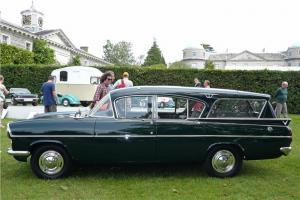 Прикрепленное изображение: Vauxhall PA Cresta Friary Etate.1962.03.jpg