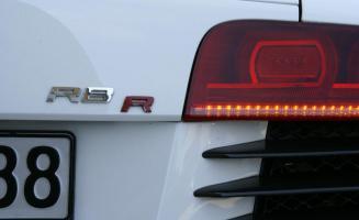 Прикрепленное изображение: 2008-mtm-audi-r8-supercharged-rear-badge-and-taillight-photo-220440-s-986x603.jpg