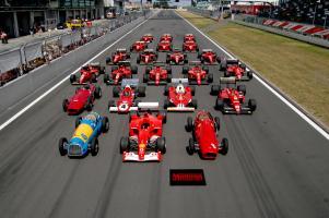 Прикрепленное изображение: Ferrari_Formula_1_lineup_at_the_Nürburgring.jpg