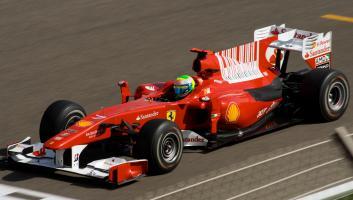 Прикрепленное изображение: Felipe_Massa_Ferrari_Bahrain_2010_GP.jpg