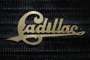 Прикрепленное изображение: cadillac_radiator_emble.jpg