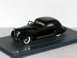 Прикрепленное изображение: Chrysler Imperial C-15 Town Car 1937 002.JPG