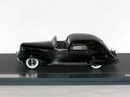 Прикрепленное изображение: Chrysler Imperial C-15 Town Car 1937 003.JPG