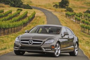 Прикрепленное изображение: 2012-Mercedes-CLS550-12.jpg