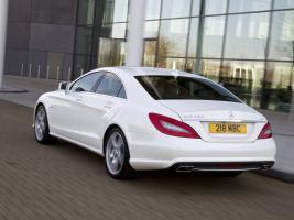 Прикрепленное изображение: Mercedes_CLS-Class_Sedan_2010.jpg