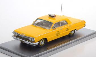 Прикрепленное изображение: Chevrolet Biscayne N.Y.C. Taxi 1963 -Kess-43027012-0.jpg