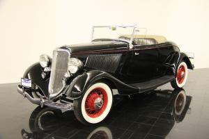 Прикрепленное изображение: ford 40 roadster 1933.jpg
