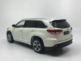 Прикрепленное изображение: Toyota_highlander_2019_white_04.jpg
