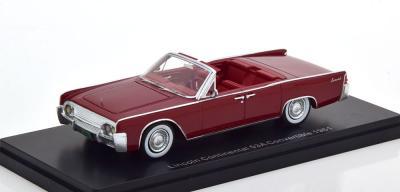 Прикрепленное изображение: Lincoln Continental 53A Convertible 1961.jpg
