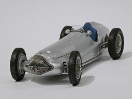 Прикрепленное изображение: 031-Mercedes-Benz W154 (CMC) #1.JPG