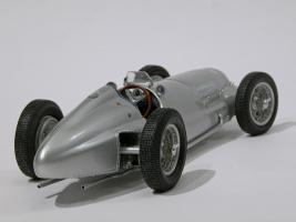Прикрепленное изображение: 031-Mercedes-Benz W154 (CMC) #2.JPG