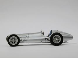 Прикрепленное изображение: 031-Mercedes-Benz W154 (CMC) #3.JPG
