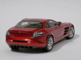 Прикрепленное изображение: 033-Mercedes-Benz SLR McLaren (CMC) #2.JPG
